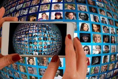 Smart phone et mosaïque de photos